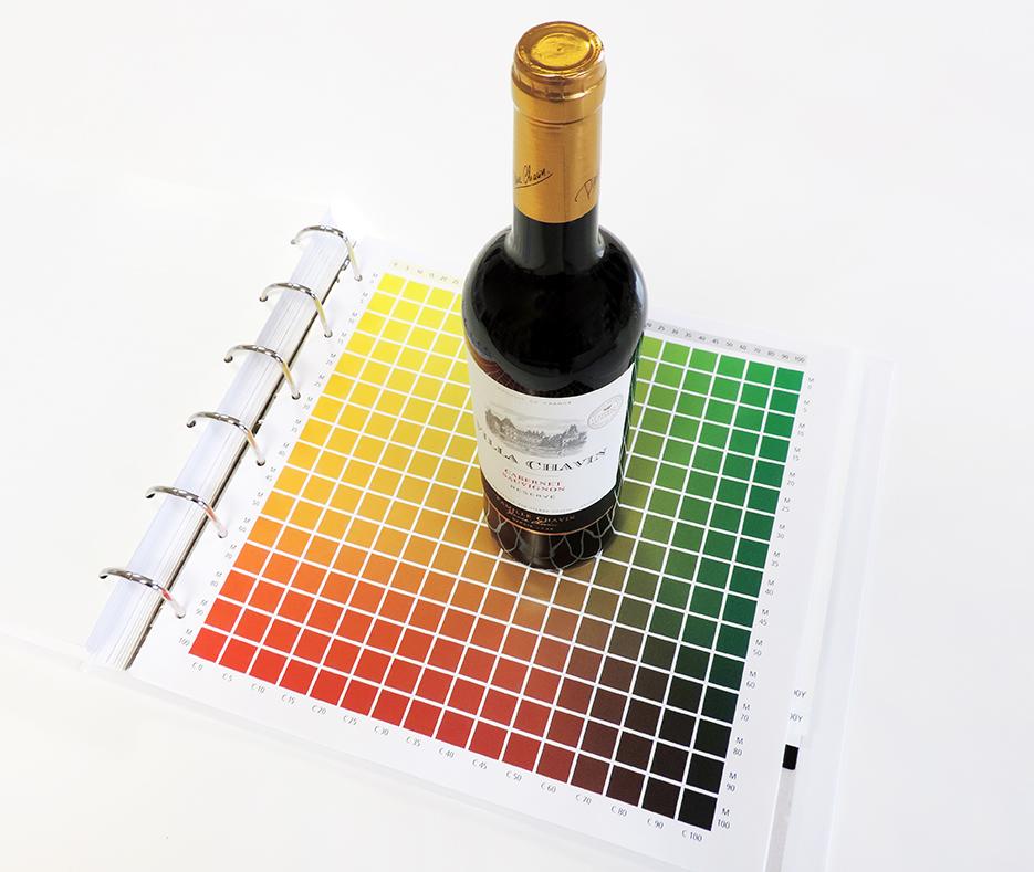 Le code couleur de la création d'étiquettes de vin